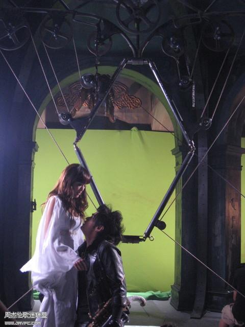 《龙战骑士》MV拍摄花絮图(更新) 人气:987
