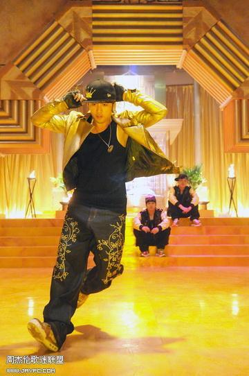 《蛇舞》MV图 人气:1333