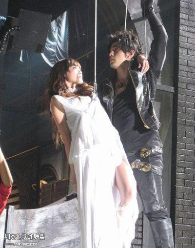 《龙战骑士》MV拍摄花絮图(更新) 人气:1212