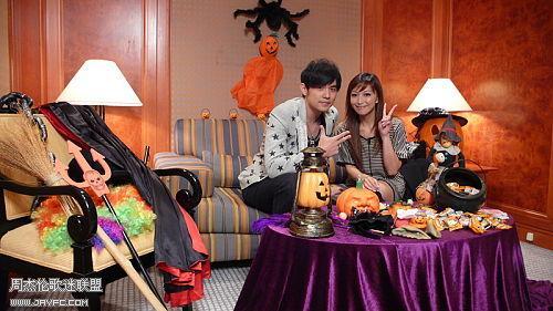 杰伦跟TVB主持人王殷廷的合照 人气:1203