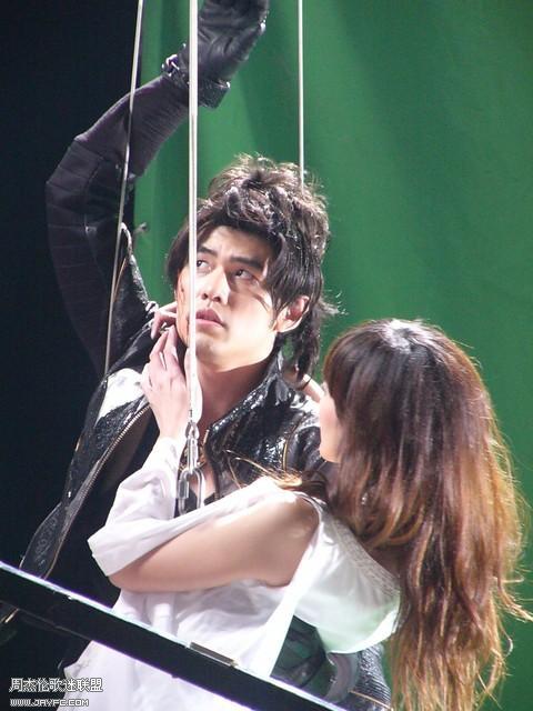 《龙战骑士》MV拍摄花絮图(更新) 人气:1837