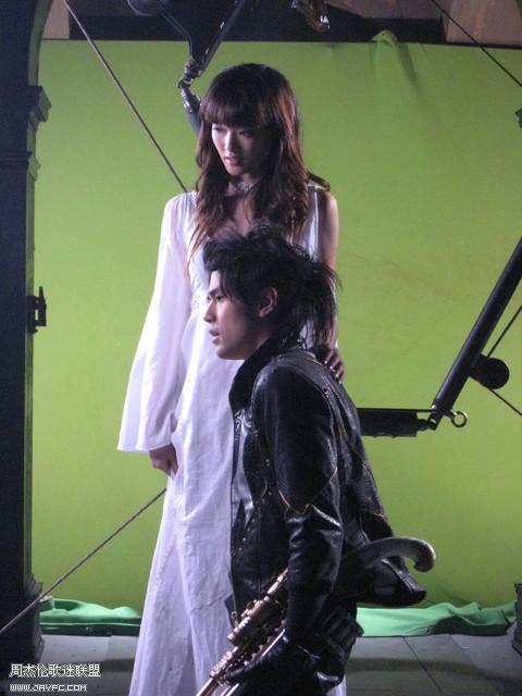 《龙战骑士》MV拍摄花絮图(更新) 人气:991