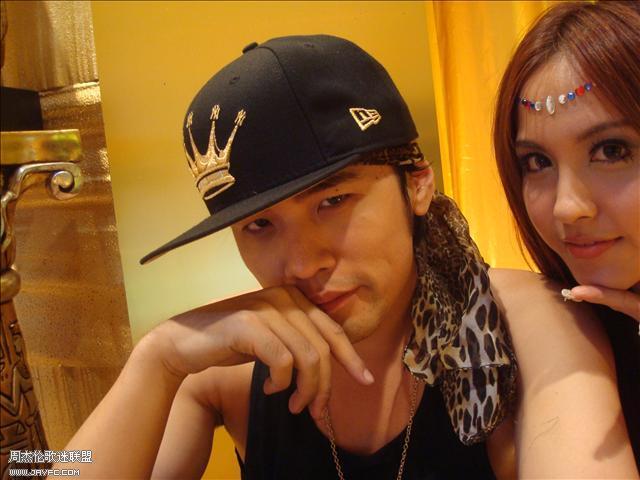 杰伦和《蛇舞》MV的演员合照 人气:1320