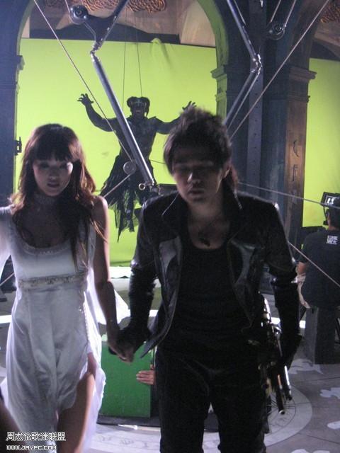 《龙战骑士》MV拍摄花絮图(更新) 人气:1214