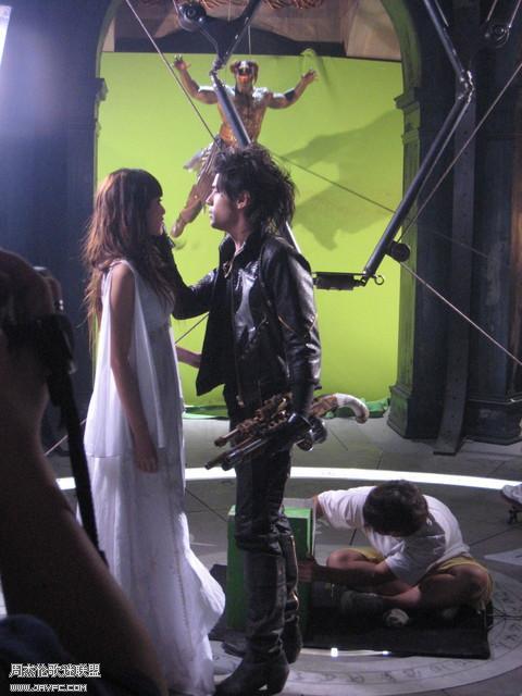 《龙战骑士》MV拍摄花絮图(更新) 人气:1192