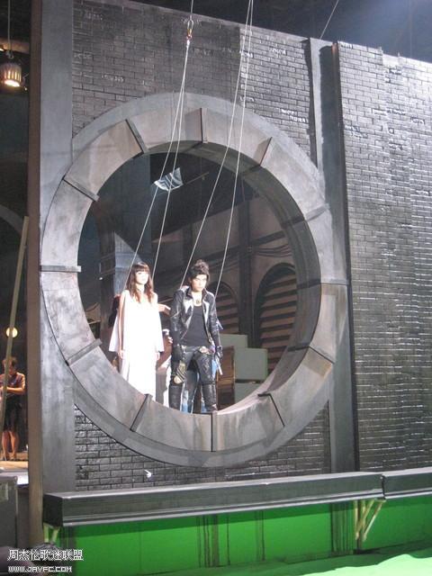 《龙战骑士》MV拍摄花絮图(更新) 人气:976