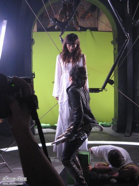 《龙战骑士》MV拍摄花絮图(更新) 人气:1063